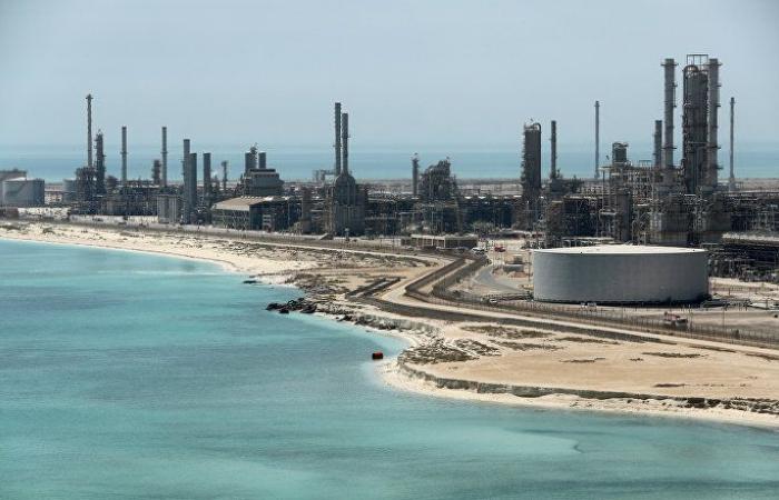 وزير المالية السعودي: الهجوم على منشأتي أرامكو ليس له أي تأثير على إيرادات المملكة النفطية