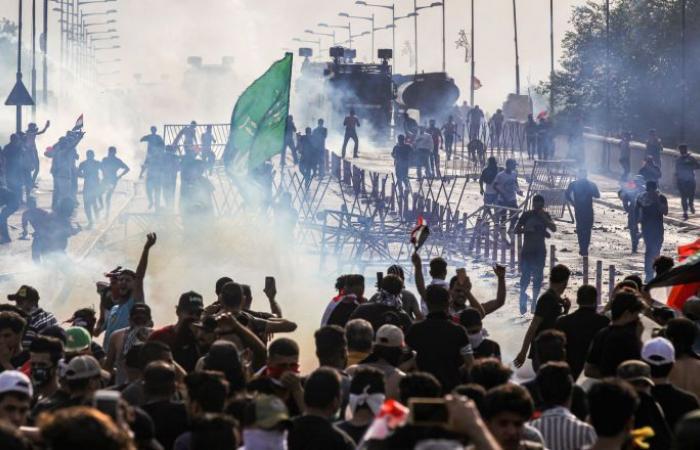 """حجب """"فيسبوك"""" وميزة إرسال الصور عبر """"واتسآب"""" في بغداد"""