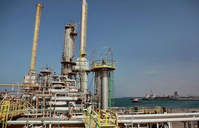 مؤسسة النفط الليبية تعلن استئناف عمليات الإنتاج في مصنع البولي ايثيلين