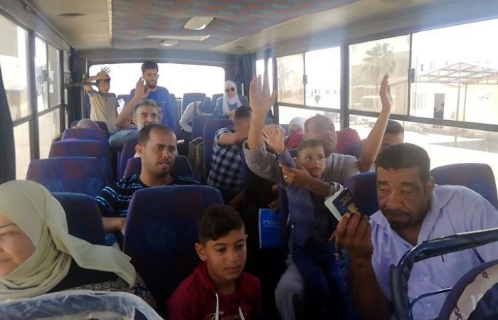 دفعة جديدة من المهجرين السوريين تصل إلى معبر جديدة يابوس قادمين من لبنان