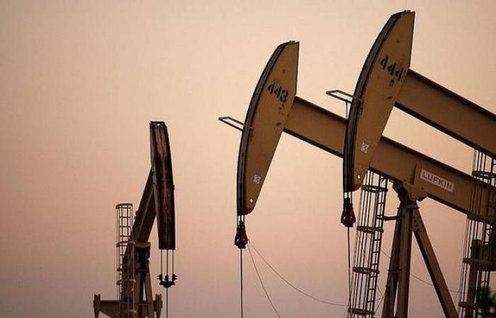 مخزونات النفط في الولايات المتحدة تقفز 9 ملايين برميل