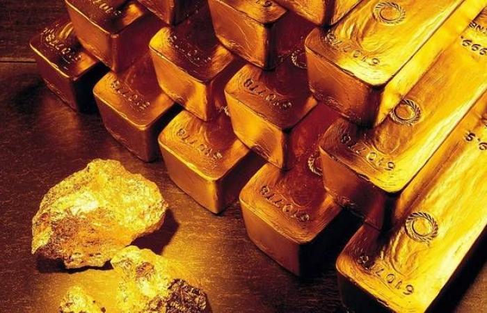محدث.. الذهب يواصل خسائره عالمياً مع صعود الأسهم والدولار