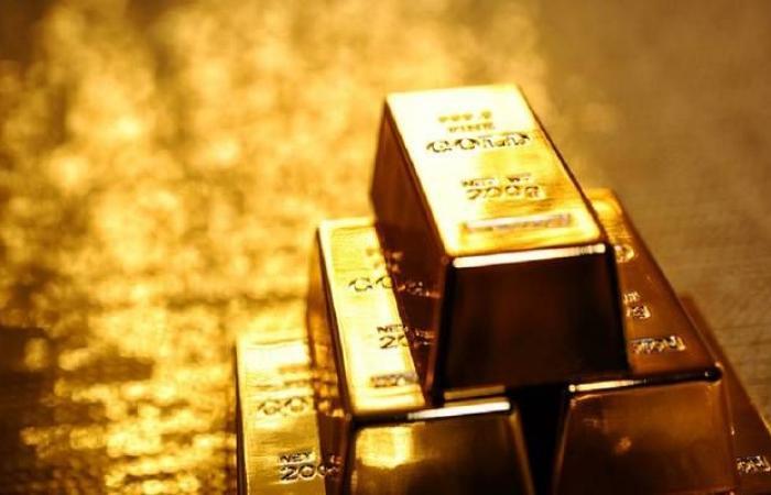 محدث.. الذهب يرتفع عند التسوية في جلسة متقلبة
