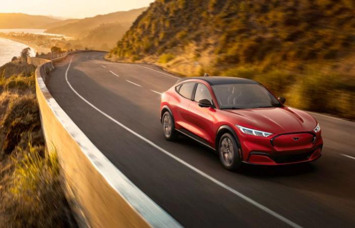 أبرز 5 ميزات جديدة في سيارة فورد موستانج Mach-E الكهربائية
