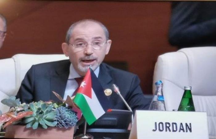 على اثر وعكة صحية : عباس يهاتف الصفدي مطمئناً على صحته