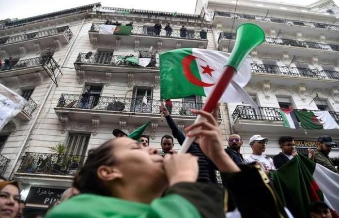 الانتخابات الرئاسية في الجزائر تنطلق.. ونسبة المشاركة 8% حتى الآن
