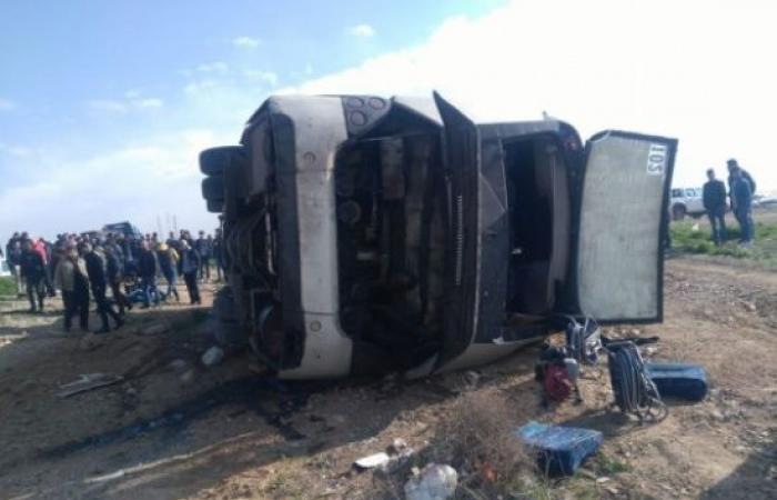 وفاة و 37 إصابة اثر تدهور حافلة طلاب في الاردن  .. صور