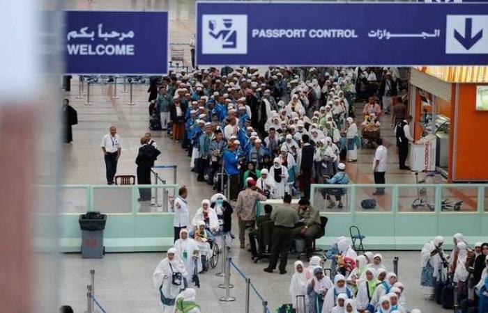 الجوازات السعودية: تعليق سفر المقيمين إلى إيران