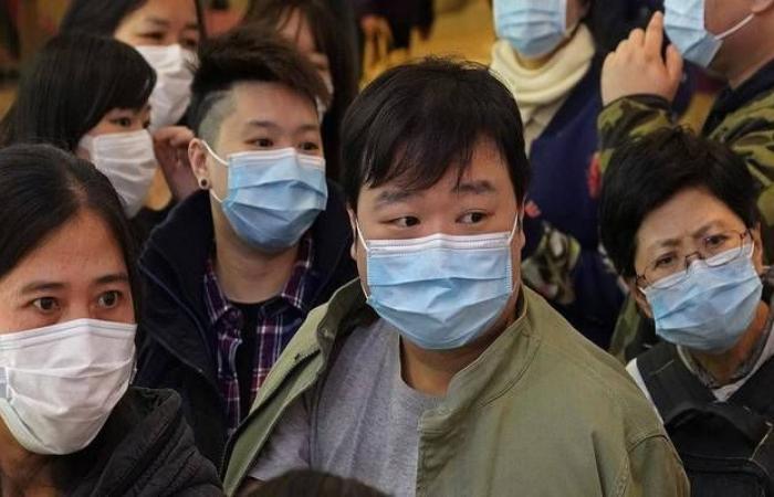 كورونا يواصل إثارة الذعر مع تفشي الفيروس خارج آسيا