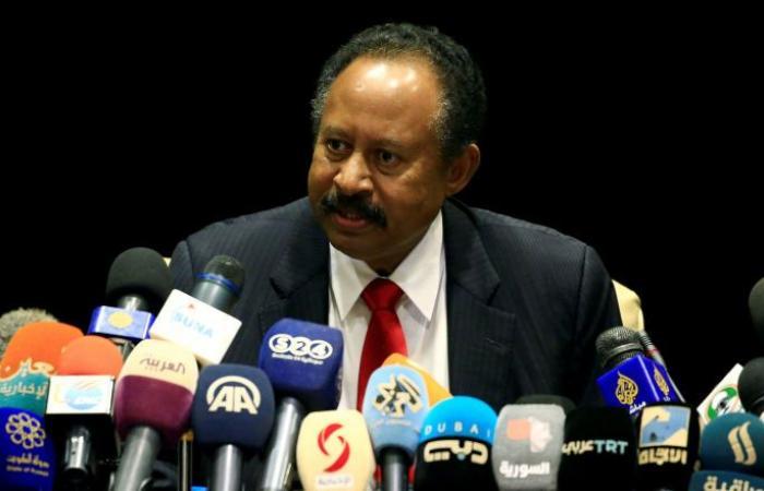 رئيس وزراء السودان: هيكلة الجيش والمؤسسات الأمنية ضرورة أساسية