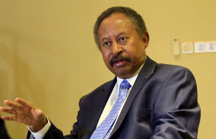 حمدوك: السودان غني لا يحتاج للمنح