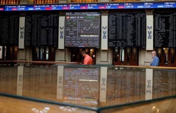 خسائر الذهب وبيانات الصين محور الأسواق العالمية اليوم