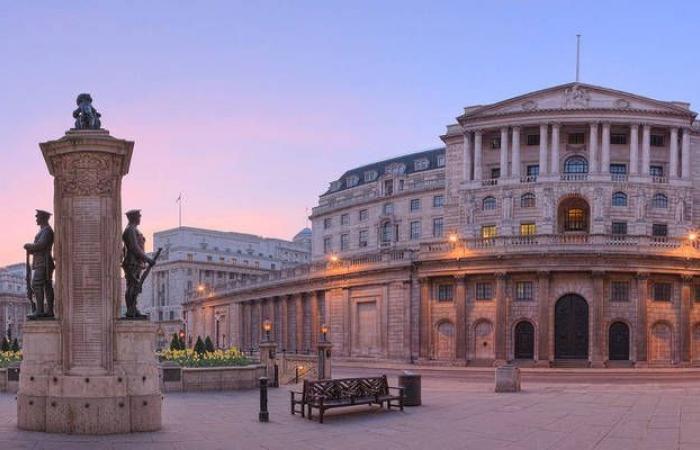 بنك إنجلترا يضاعف حجم مشترياته لسندات الشركات