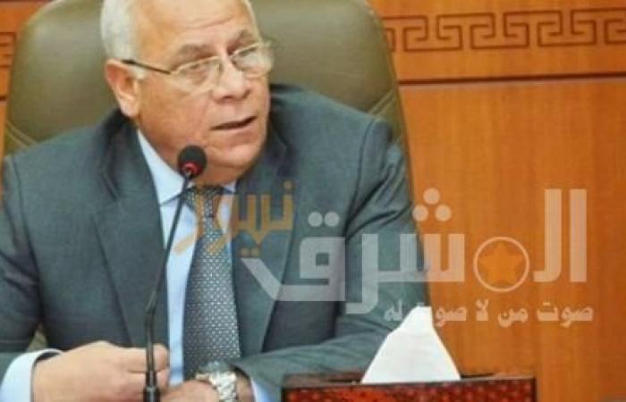 محافظ بورسعيد يوجه الشكر لشركة تبرعت ب50 بوابة تعقيم