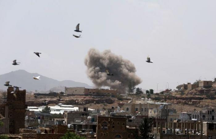 """إعلام: """"أنصار الله"""" تتهم التحالف بانتهاك وقف إطلاق النار وشن 6 غارات على اليمن"""