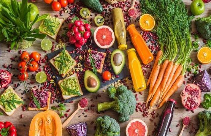 تقرير يتوقع قيمة سوق الأغذية والمشروبات الصحية في السعودية والإمارات المستقبلية