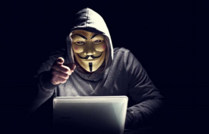 Anonymous تعود للظهور وسط الاضطرابات الأمريكية