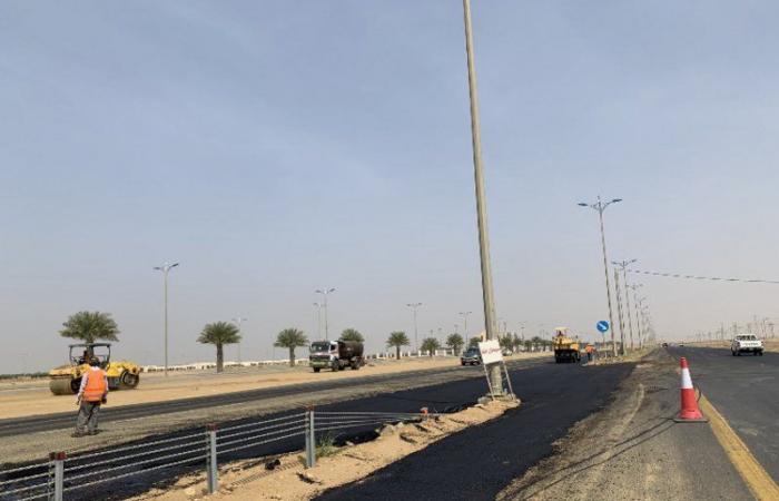 """بلدية حلي تغلق تقاطعات مع الطريق الساحلي الدولي """"جدة - جازان"""""""
