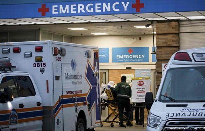 """""""ضربات كورونا"""" تهدّد بسحق النظام الصحي بأمريكا.. مستشفيات تئن والوضع مخيف"""