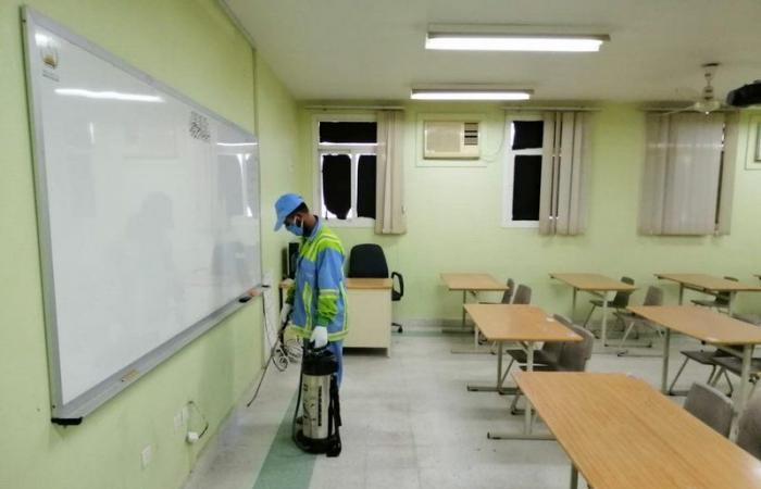 """شاهد.. """"تعليم الشرقية"""" يتسلم 35 مدرسة استخدمت كسكن مؤقت في أزمة كورونا"""