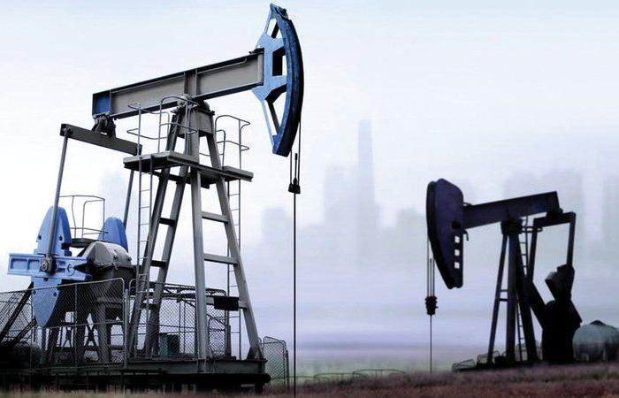 """أسعار النفط تسجل انخفاضاً مع ترقب الأسواق نتائج اجتماع """"أوبك+"""""""