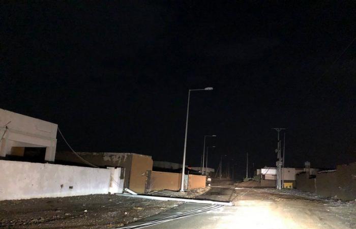 """أمطار غزيرة على """"الحشرج"""" تتسبب بانقطاع الكهرباء.. و""""المدني"""" يحذِّر"""
