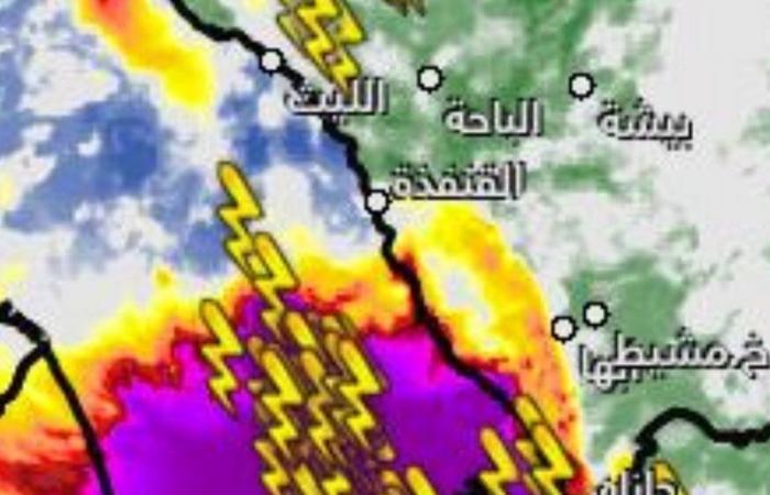 """""""الحربي"""": """"أمطار ما قبل 45 عاماً"""" تعيد نفسها بهذه المناطق.. ما نشاهده الطبيعي!"""