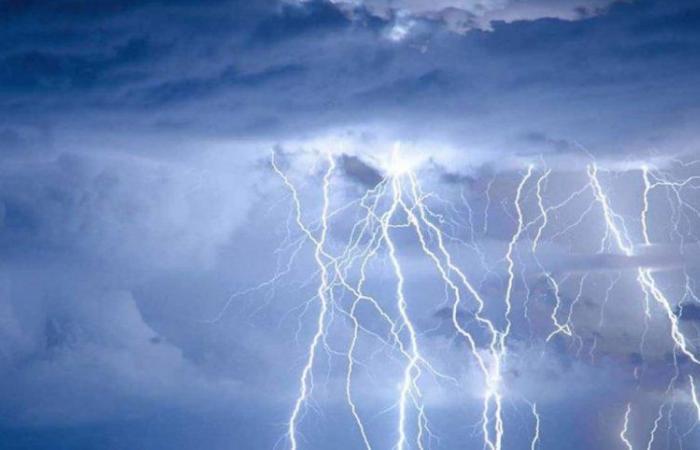 """مستمرة لعدة أيام.. الحصيني: أمطار """"رهو"""" تواعد هذه المناطق اليوم"""