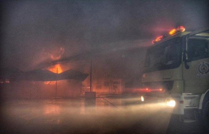 """""""مدني جدة"""" يباشر حريقاً في مكاتب إدارية بمحطة قطار الحرمين"""