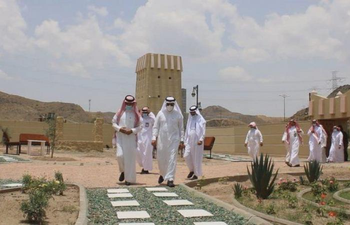 شاهد.. أمين عسير يتفقد ظهران الجنوب ومشاريعها ويحث على خدمة المراجعين