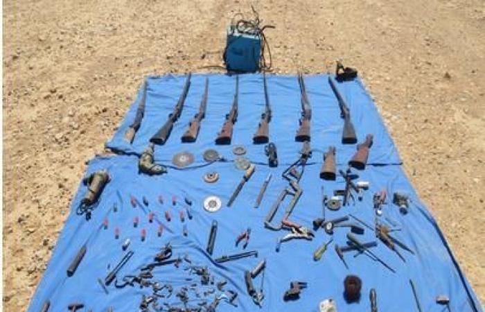 ضبط عاطل بحوزته 7 بنادق وأدوات تصنيع أسلحة في مطروح