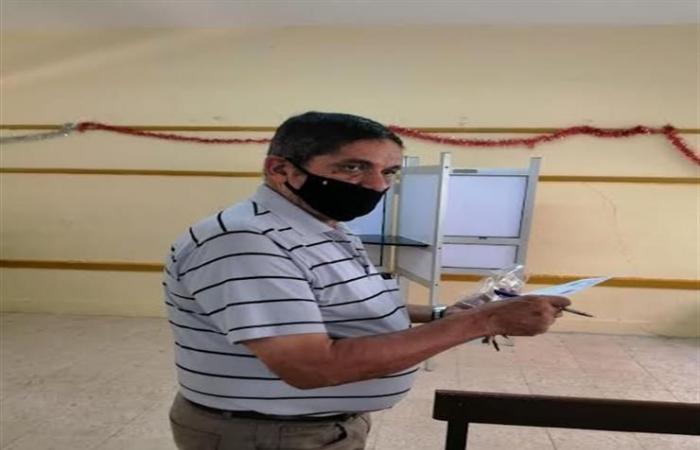 بالصور| توافد الناخبين للإدلاء بأصواتهم في انتخابات الشيوخ بـ6 أكتوبر