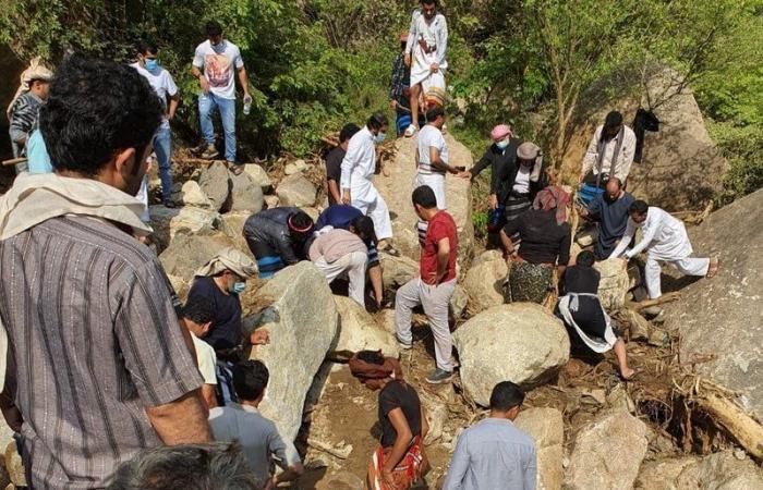 """جازان.. العثور على جثث شبان """"العارضة"""" الأربعة الذين فُقدوا بجبال العبادل"""