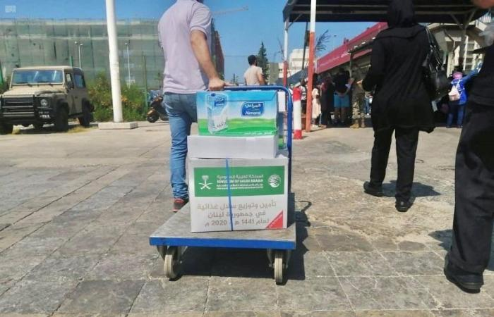 """""""إغاثي الملك سلمان"""" يوزع 8,500 ربطة خبز على العائلات اللبنانية المتضررة"""