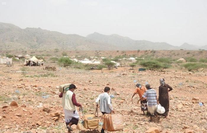 """اليمن.. """"إغاثي الملك سلمان"""" يقدم مواد إيوائية لمتضرري سيول """"وعلان"""""""