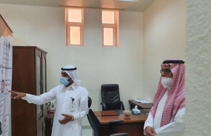 """""""الحربي"""" يتفقد فروع وزارة الموارد البشرية في محافظتي الوجه وأملج"""