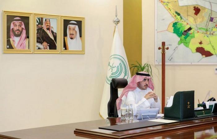 أمير الجوف يستعرض مع القيادات التعليمية استعدادات العام الدراسي الجديد