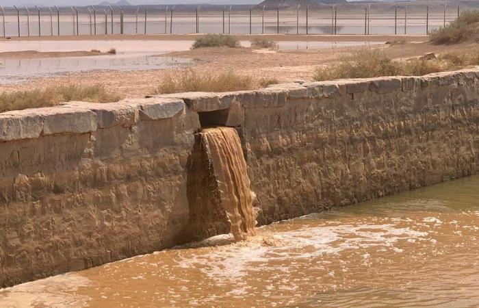"""تبوك.. """"بركة المعظم"""" تمتلئ بمياه الأمطار ومخاوف من تكرار حوادث الغرق"""