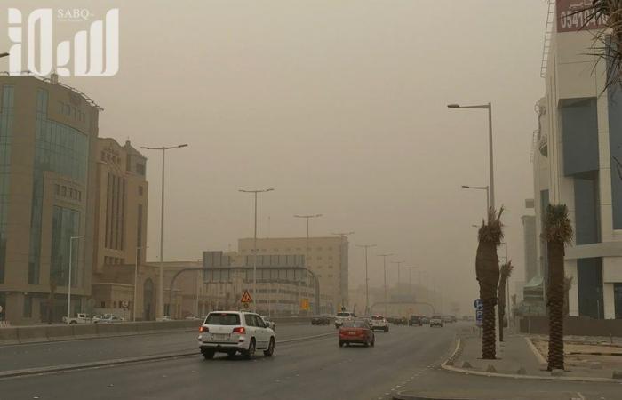 """""""الأرصاد"""": رياح نشطة مثيرة للأتربة والغبار على الرياض وبريدة وحائل والمدينة والشرقية"""