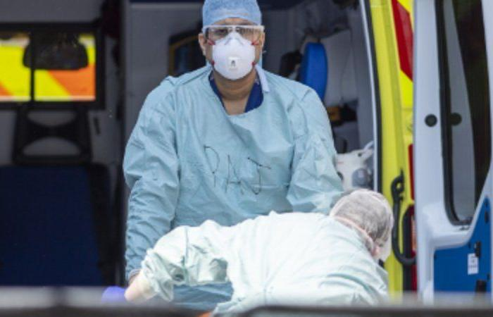 أوروبا تتجاوز 5 ملايين إصابة بكورونا وباريس تتأهب لقيود جديدة