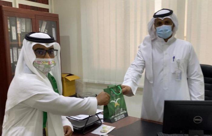الطائف.. مستشفى ظلم يتوشح بالأعلام واللون الأخضر احتفالاً باليوم الوطني الـ 90 للمملكة