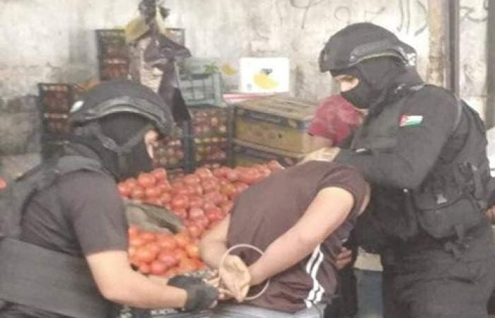 الاردن : إلقاء القبض على ١٤٢ شخصاً مطلوباً في ثالث أيام الحملات الأمنية .. بالصور