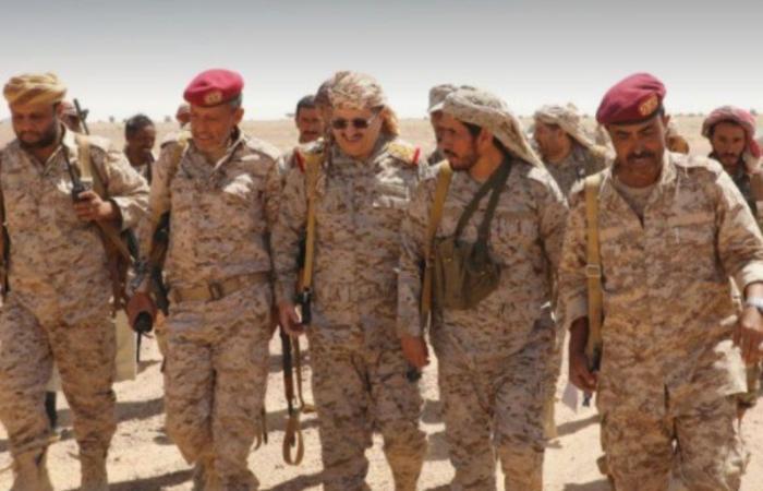 وزير الدفاع اليمني يؤكد فشل محاولات الحوثيين لإحراز تقدمات