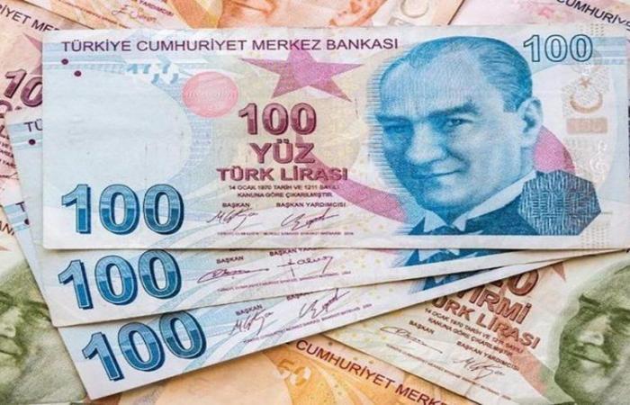 الانتخابات الأمريكية تدفع الليرة التركية لمزيد من الهبوط