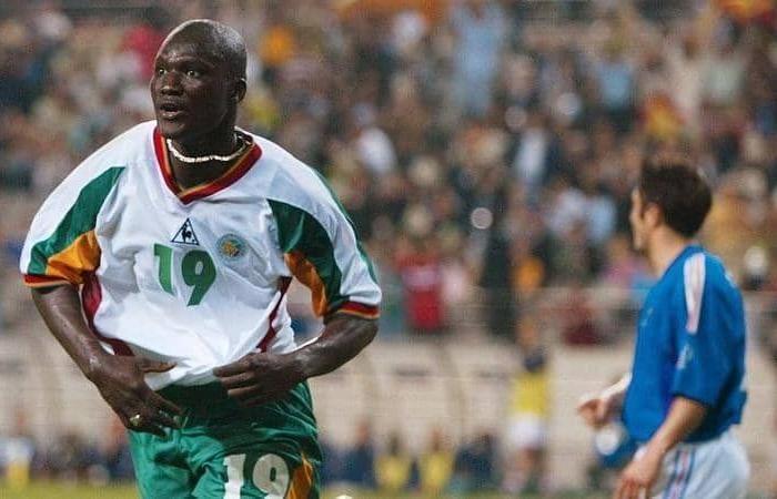 """وفاة """"ديوب"""" نجم السنغال وقاهر الديوك في افتتاح مونديال 2002"""