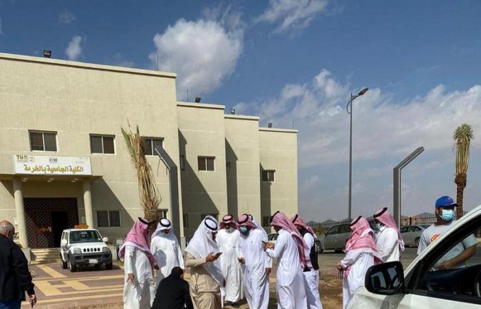 تشجير الكلية الجامعية بمحافظة الخرمة