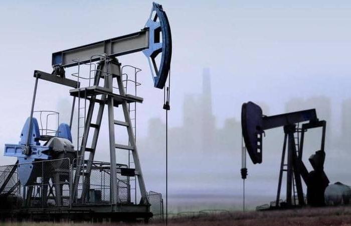 """هبوط أسعار النفط 1.5% قبل اجتماع """"أوبك+"""".. برنت عند 47.48 دولار"""