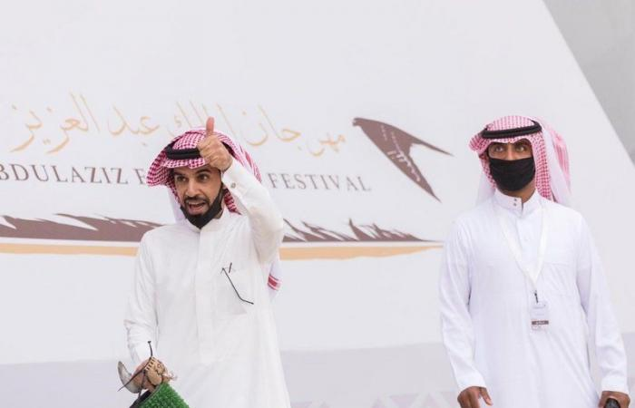 """""""أصايل"""" و""""عنيزة"""" يحسمان """"الملواح"""" بمهرجان الملك عبدالعزيز للصقور"""