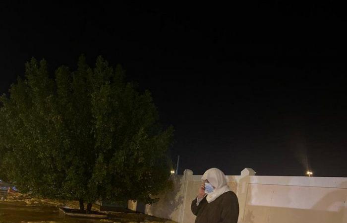 شاهد.. محافظ شقراء يقف على عملية نزح مياه الأمطار من الشوارع