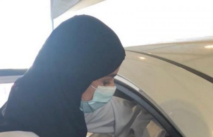"""""""الصحة"""" تدشِّن خدمة التطعيم ضد """"كورونا"""" داخل السيارة في الرياض ومكة والمدينة وأبها"""